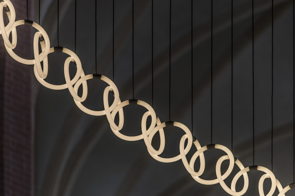 Light Sculpture 'Chain Reaction'